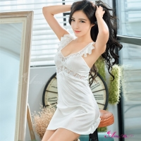 【Anna Mu】純白愛戀深V柔緞荷葉肩帶性感睡衣(NA13020051)