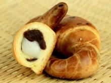 紅豆麻糬包餡牛角