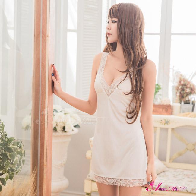 【Anna Mu】純白柔緞深V蕾絲滾邊性感睡衣(NA10020112-2)